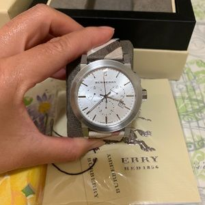Burberry Accessories - NEW BURBERRY WATCH MEN'S BU9357 SILVER